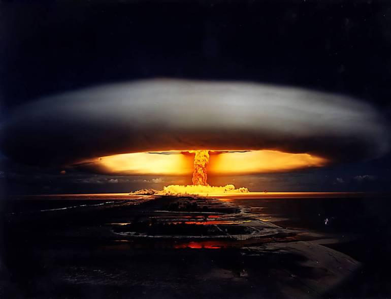 Atomic-Bomb-Blast