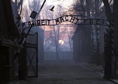 Arbeit Macht Frei, Work Will Set You Free, Auschwitz .