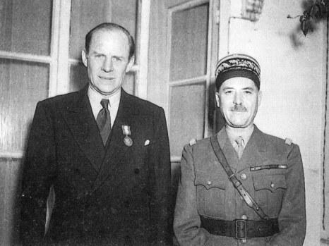 Murphy (left)