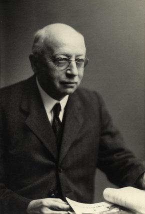 Sir Alfred Eckherd Zimmern