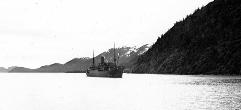 the_USS_U.S._Grant_coming_into_Seward_Harbor_Alaska_-_1941