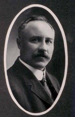 Kenneth_W_Mackenzie_-_1910