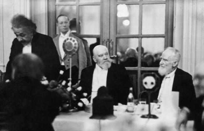 Albert Einstein, George Bernard Shaw, Lionel Walter Rothschild (1930)