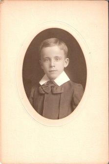 Henson Langdon Robinson Age 9 yrs 1906 son of Addie Langdon & Charles H. Robinson