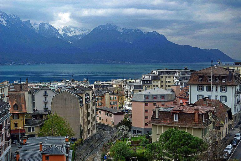 Montreux_-_Lake_Geneva