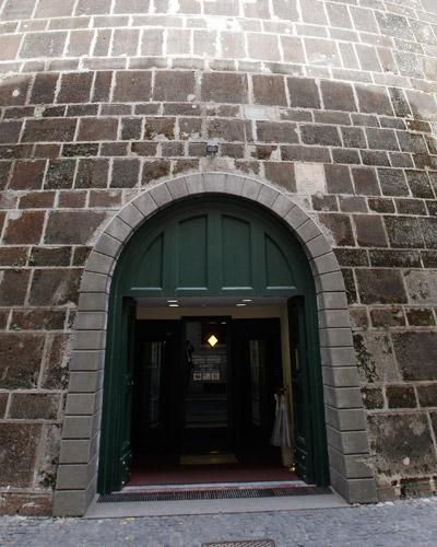 vatican bank entrance