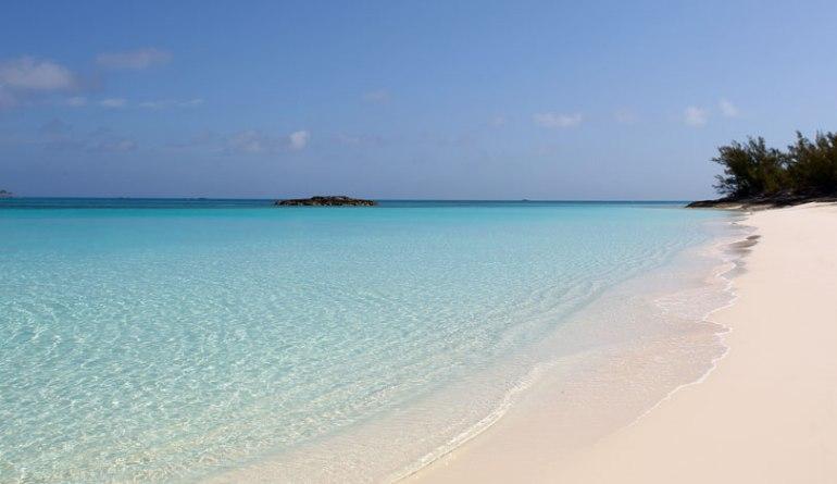 nassau-paradise-island-beach