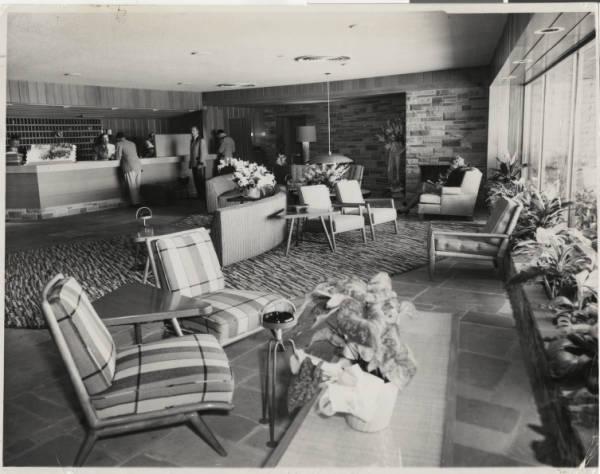 desert inn lobby