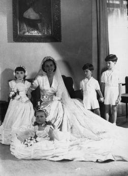 Aline wedding day 1946